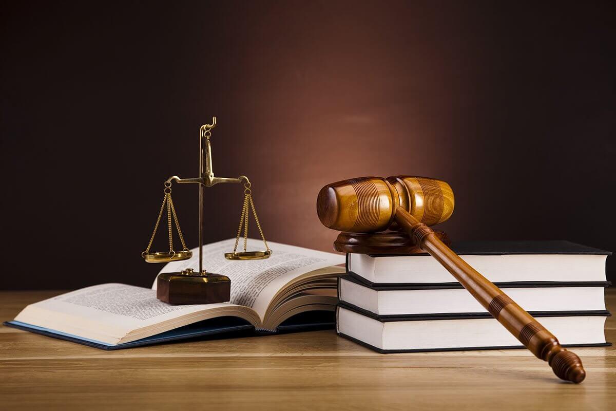 Prace dyplomowe z prawa